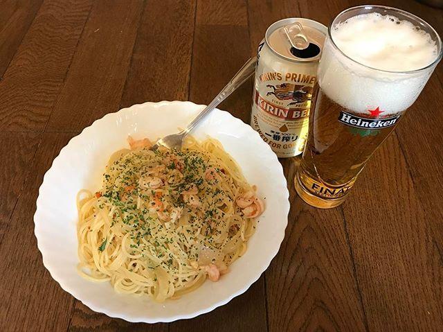 今日のお昼はペペロンチーノ!ビールが飲みたくなってしまい。。。#お昼ごはん #ビール #ペペロンチーノ #昼からビール #一番搾り #キリン
