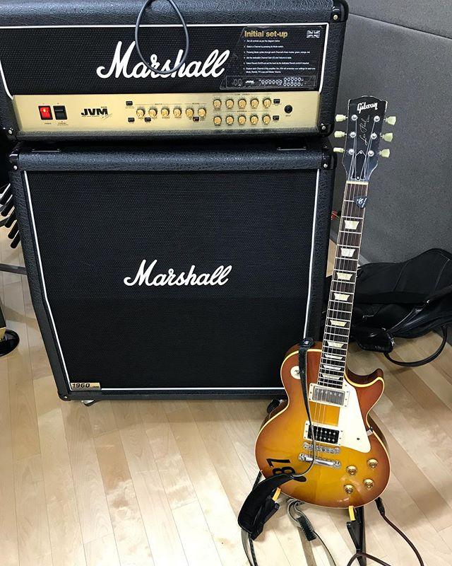 今日は長丁場のスタジオー!#バンド #band #スタジオ #リハーサル #バンドマン #ギブソン #gibson #lespaul #marshall #ギブソン #マーシャル #レスポール #音楽好きな人と繋がりたい